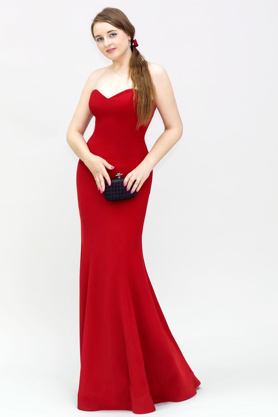 Платье рыбкой красное фото